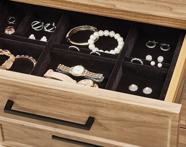 Packing jewelry for a move according to Inspired Closets