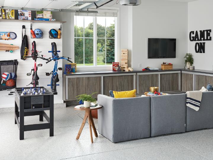Transform Your Garage into a Teen Hanout